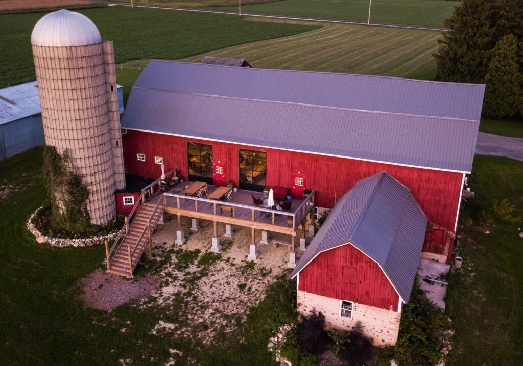 elderberry manor wisconsin barn wedding venue