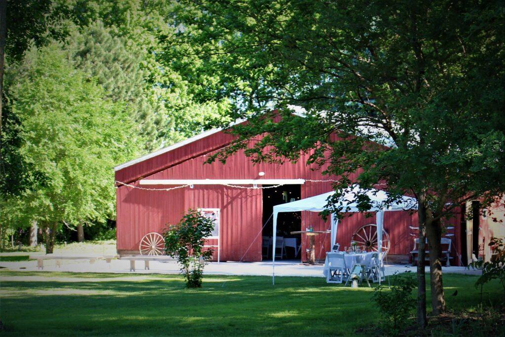farm girl weddings iowa barn wedding venues