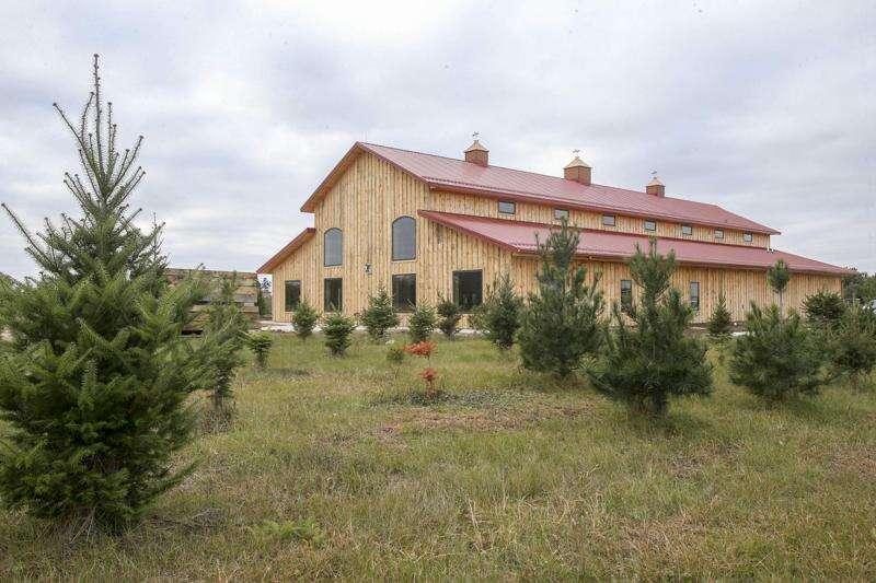 kacena farms iowa barn wedding venue