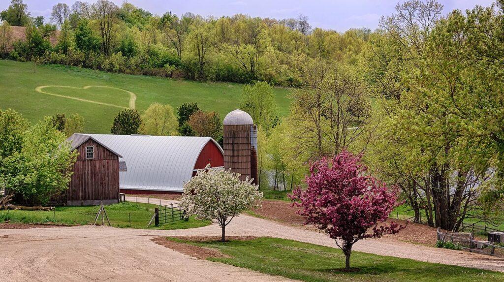 pioneer creek farm wisconsin barn wedding venue
