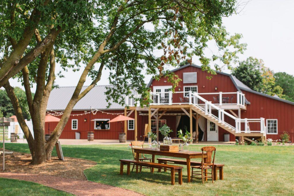 rustic manor 1848 wisconsin barn wedding venue