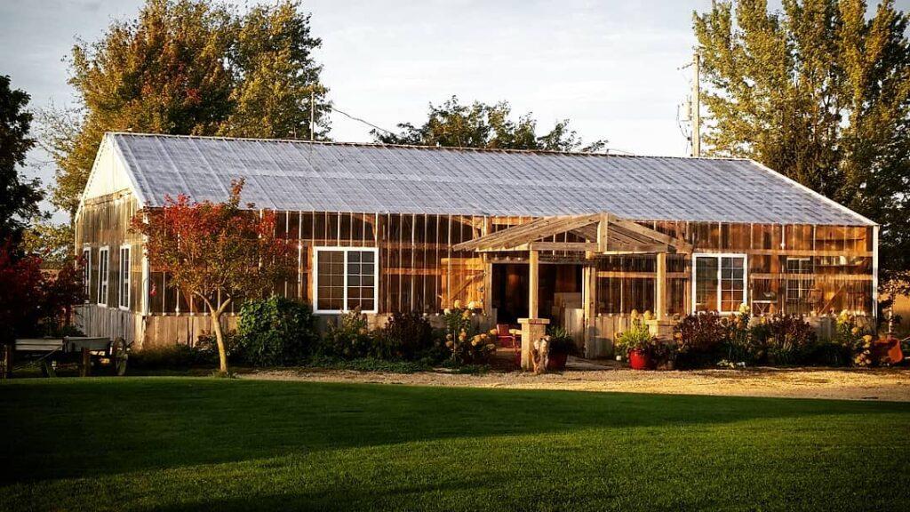 the barn at brophy creek farm iowa barn wedding venues