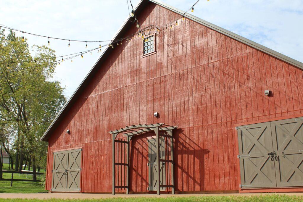 whitetail country estates iowa barn wedding venues