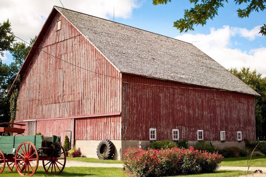 the mora farm illinois barn wedding venues